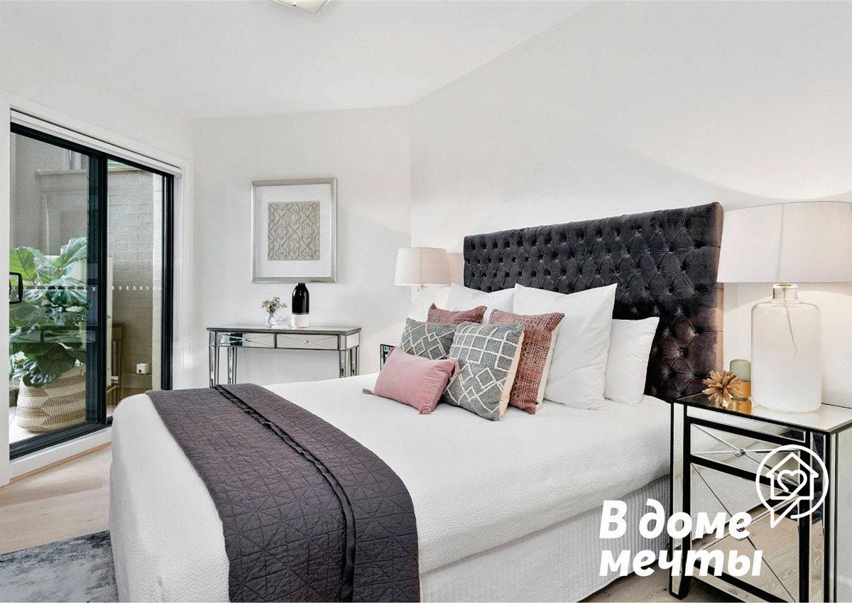 Окрашивайте маленькие комнаты в более мягкие, яркие цвета - это сделает комнату оптически больше