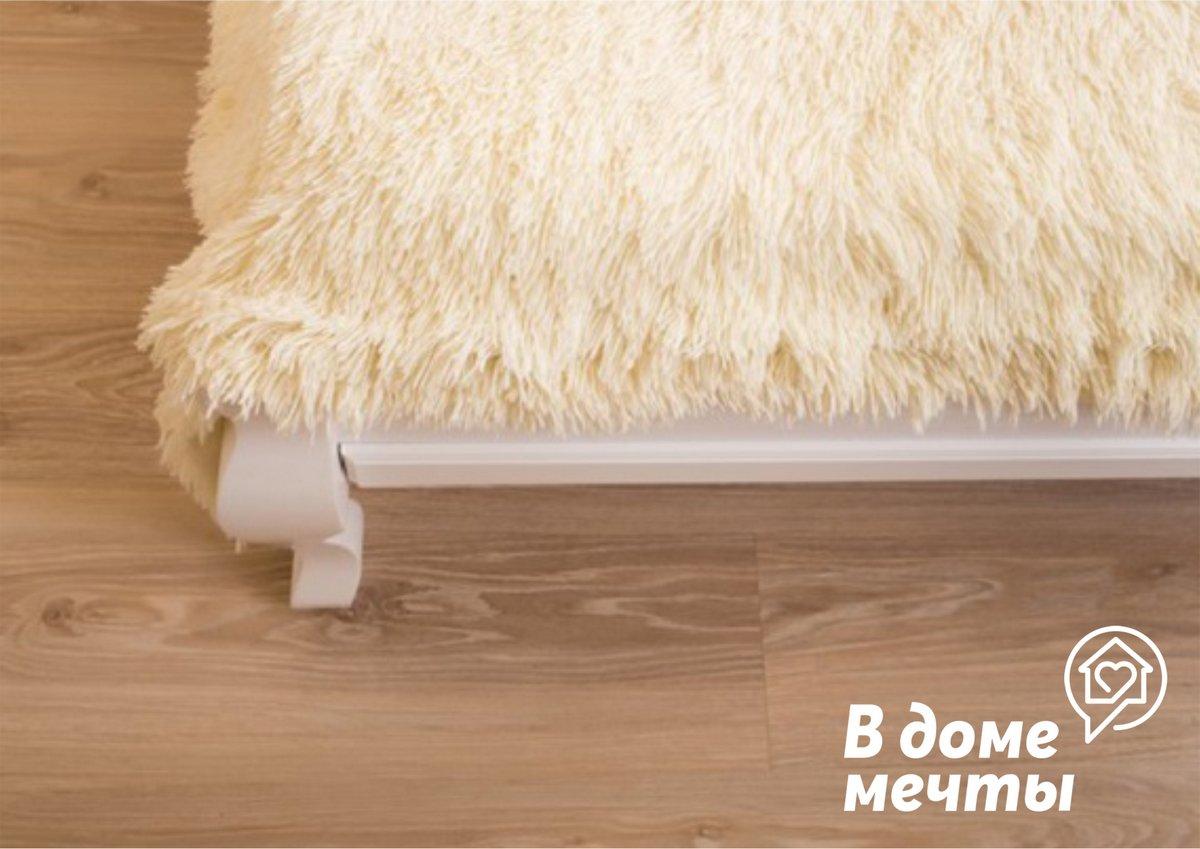 o Мебельная обивка. Мехом или шкурами очень редко обивают мебель