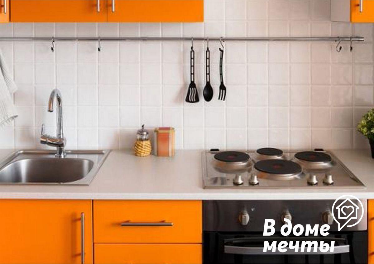 Как быстро почистить плиту на кухне: самые эффективные лайфхаки
